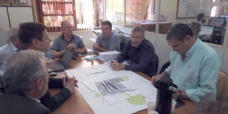PREFEITURA E CORSAN DEBATEM INSTALAÇÃO DE QUATRO NOVAS ETE's