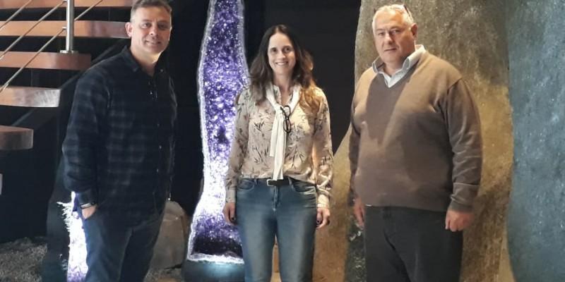 SECRETARIAS DE TURISMO E EDUCAÇÃO FIRMAM PARCERIA COM GEO MUSEU
