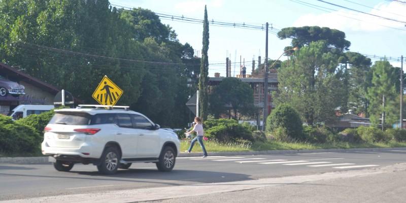 Prefeitura solicita dois redutores de velocidade para a ERS-235
