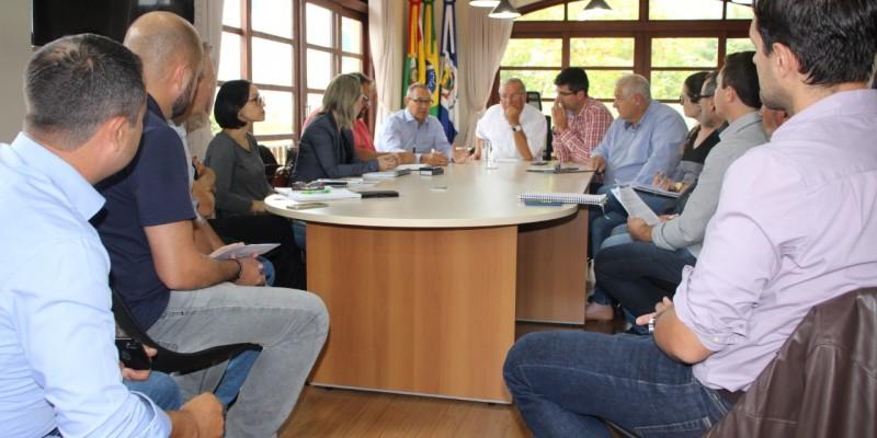 REGIÃO ADOTA MEDIDAS CONJUNTAS PARA CONTER O CORONAVÍRUS