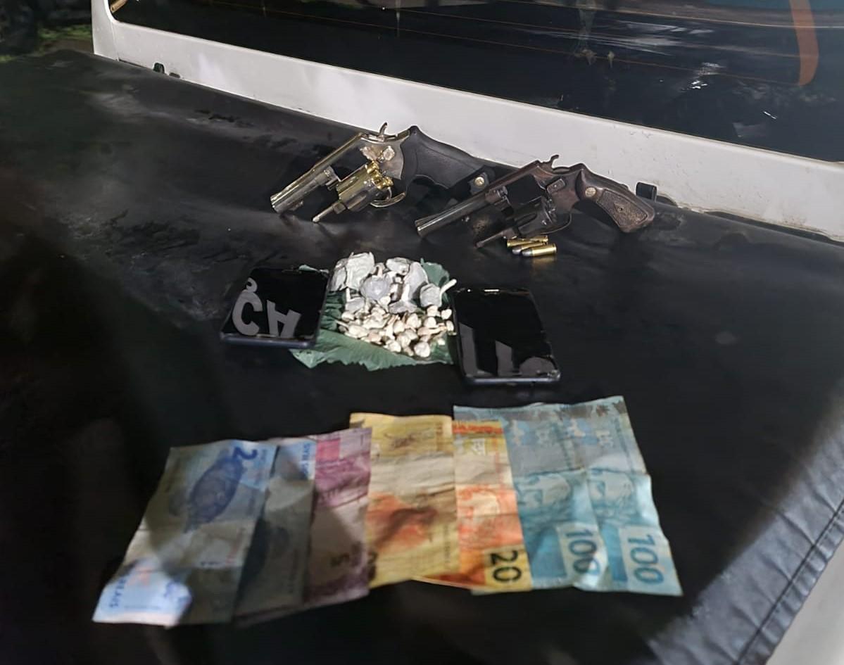 Suspeitos de tráfico morrem em confronto com BM no São Lucas