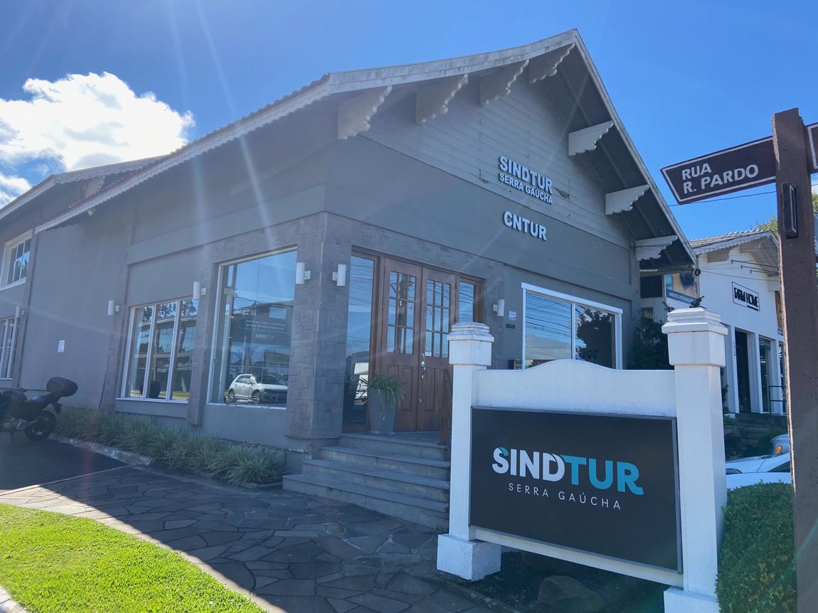Sindtur fecha parceria para beneficiar pequenas e microempresas do setor