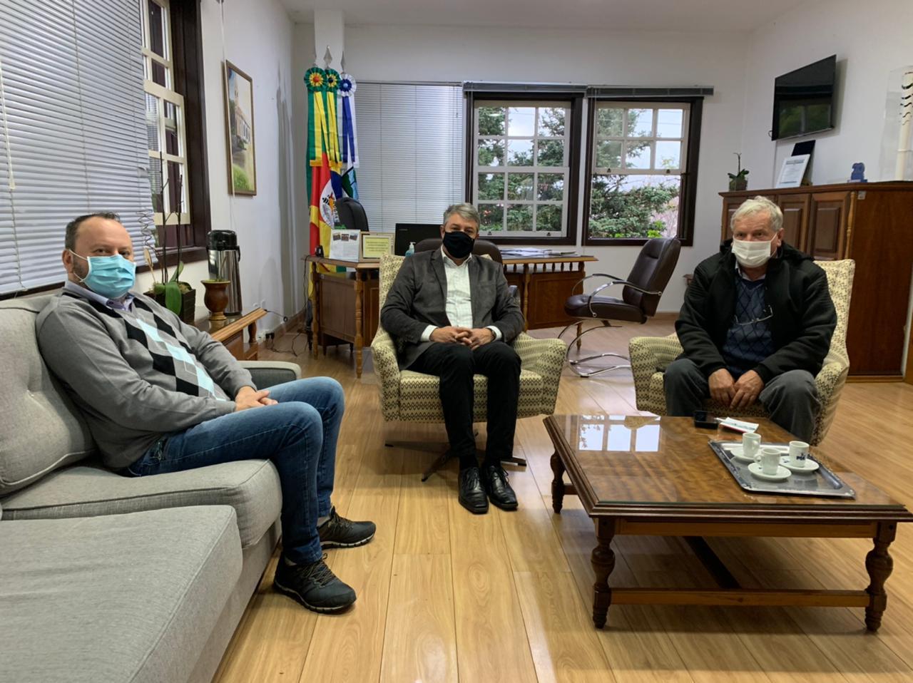 Diretoria da Amserra esteve reunida em Nova Petrópolis